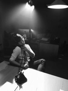 Film-Noir-On-Phone